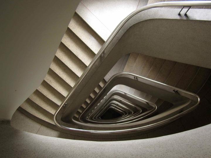 Escalier en béton - photo Cédric Avenier